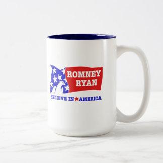 Bandera de Romney Ryan Eagle Taza De Dos Tonos