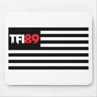 Bandera de TFI89 B W Tapetes De Raton