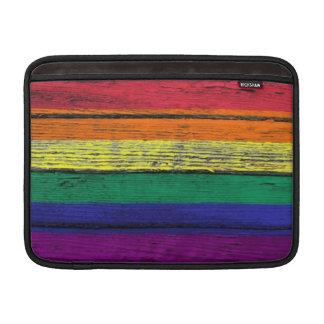 Bandera del arco iris del orgullo gay con el efect funda  MacBook