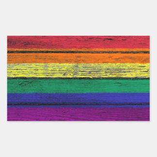 Bandera del arco iris del orgullo gay con el rectangular altavoces