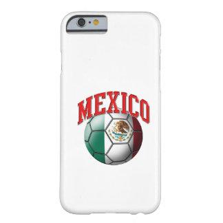Bandera del balón de fútbol de México Funda De iPhone 6 Barely There