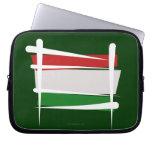 Bandera del cepillo de Hungría Fundas Computadoras