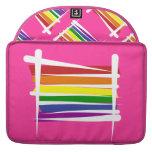 Bandera del cepillo del orgullo gay del arco iris fundas para macbook pro