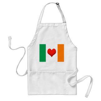 Bandera del corazón de Irlanda Delantal