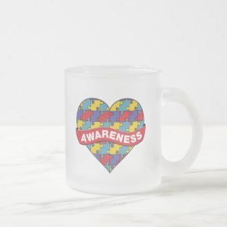 Bandera del corazón de la conciencia del autismo tazas de café