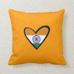 Bandera del corazón de la India Cojin