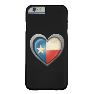 Bandera del corazón de Tejas con efecto del metal Funda De iPhone 6 Barely There