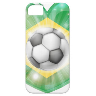Bandera del corazón del fútbol del Brasil iPhone 5 Carcasas