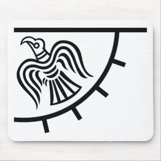 Bandera del cuervo (bandera de Viking) Tapetes De Ratón
