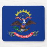 Bandera del estado de Dakota del Norte Alfombrillas De Ratones