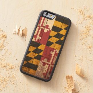 Bandera del estado de Maryland en grano de madera Funda De iPhone 6 Bumper Arce