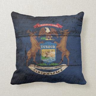 Bandera del estado de Michigan en grano de madera Cojín