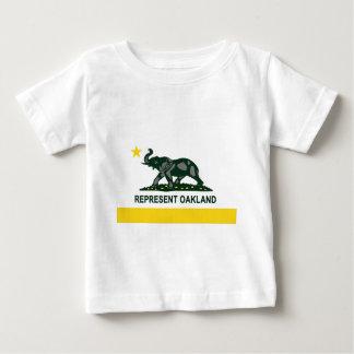 Bandera del estado de Oakland (luz) Playera