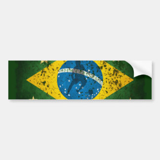 Bandera del Grunge del Brasil para el fútbol del f Pegatina De Parachoque