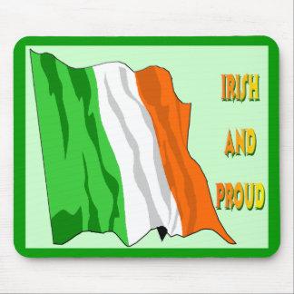 Bandera del irlandés del día de St Patrick Tapetes De Raton