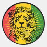 bandera del león del reggae del rasta pegatina redonda