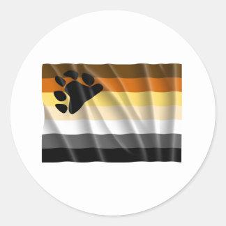 Bandera del orgullo del oso que agita pegatina redonda