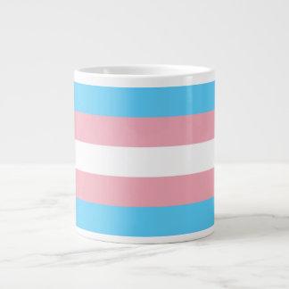 Bandera del orgullo del transexual taza grande