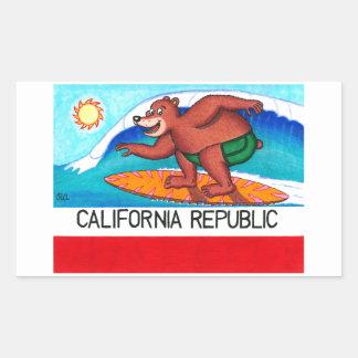 Bandera del oso de California que practica surf Pegatina Rectangular