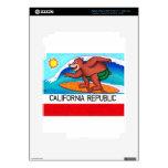 Bandera del oso de California que practica surf iPad 3 Pegatina Skin