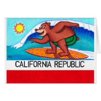 Bandera del oso de California que practica surf Tarjeta De Felicitación
