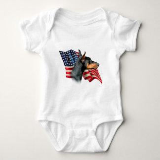 Bandera del Pinscher del Doberman Tee Shirt
