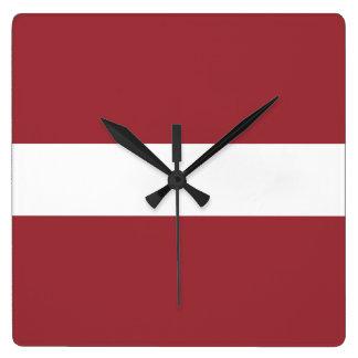 Bandera del reloj de pared de Letonia