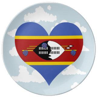Bandera del Swazi en un fondo nublado