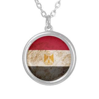 Bandera egipcia rugosa colgantes