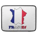 Bandera en el mapa de Francia Fundas Para Macbooks