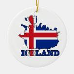 Bandera en el mapa de Islandia Ornamentos De Navidad