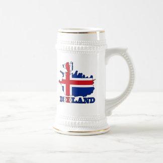Bandera en el mapa de Islandia Jarra De Cerveza