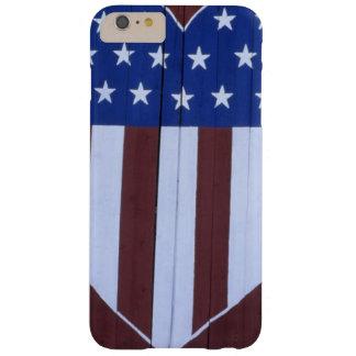 Bandera en la forma del corazón pintada en granero funda de iPhone 6 plus barely there
