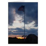 Bandera en la puesta del sol tarjeta