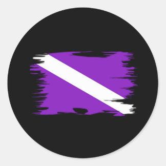 Bandera enrrollada de la zambullida pegatina redonda