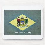 Bandera envejecida de Delaware Alfombrilla De Ratón