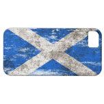 Bandera escocesa rascada y llevada iPhone 5 Case-Mate protector