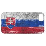 Bandera eslovaca rascada y llevada