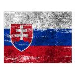 Bandera eslovaca rascada y llevada tarjeta postal