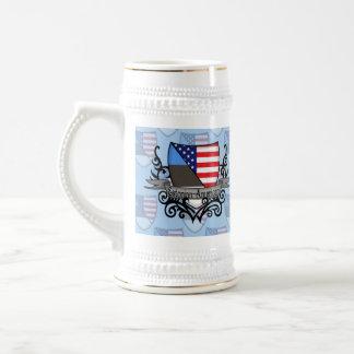 Bandera Estonio-Americana del escudo Jarra De Cerveza