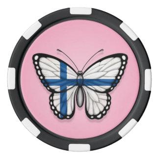 Bandera finlandesa de la mariposa en rosa fichas de póquer