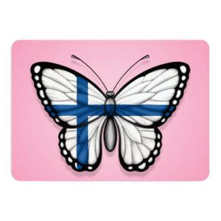 """Bandera finlandesa de la mariposa en rosa invitación 5"""" x 7"""""""
