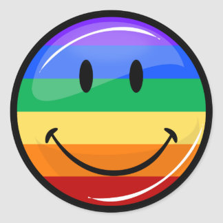 Bandera gay sonriente del arco iris del orgullo de pegatina redonda