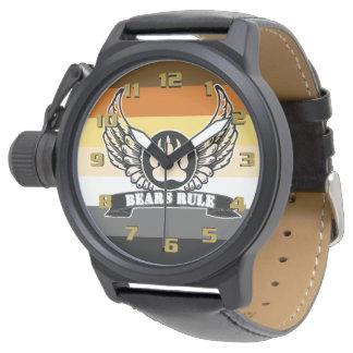 Bandera gay y alas del orgullo del oso de la regla relojes de pulsera