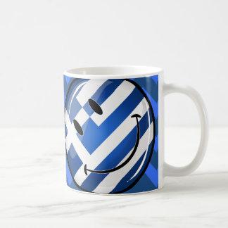 Bandera griega sonriente taza básica blanca