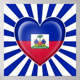 Bandera haitiana del corazón con los rayos de Sun Póster