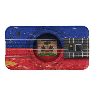 Bandera haitiana en la guitarra acústica vieja carcasa de galaxy s5