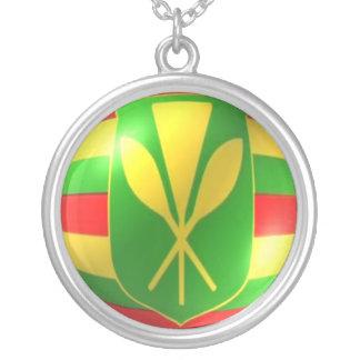 Bandera hawaiana vieja con el collar de la burbuja