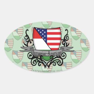 Bandera Húngaro-Americana del escudo Colcomanias Oval