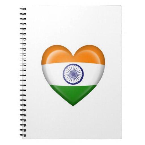 Bandera india del corazón en blanco libros de apuntes con espiral